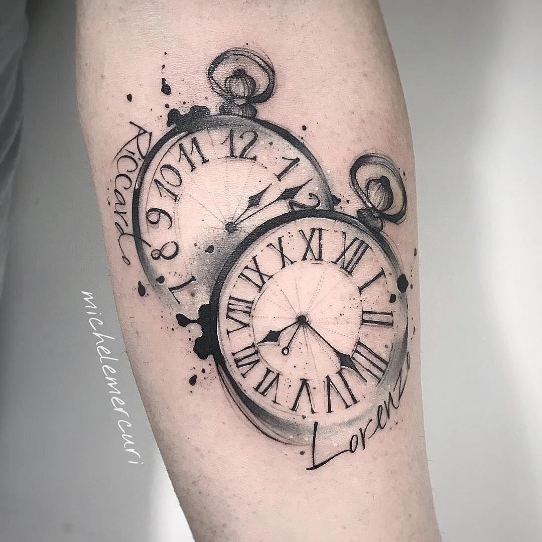 Tatuagem feita por Michele Mercuri (mercuri_michele) da Itália.    Relógios no estilo sketch.