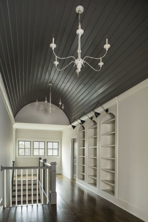 Black Shiplap Barrel Ceiling An Edgier Take On The Trend Is A Great Way To Combine Contemporary And Classic Check Out These Stunning