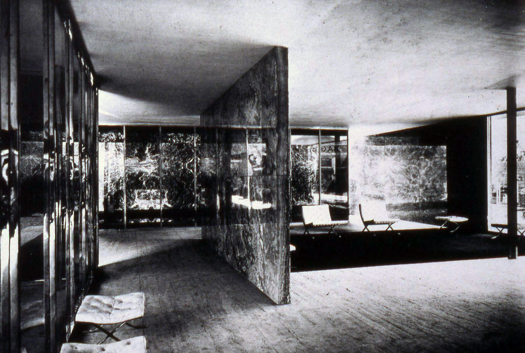 Mies Van Der Rohe Polished Onyx Walls In Barcelona Pavilion 1929