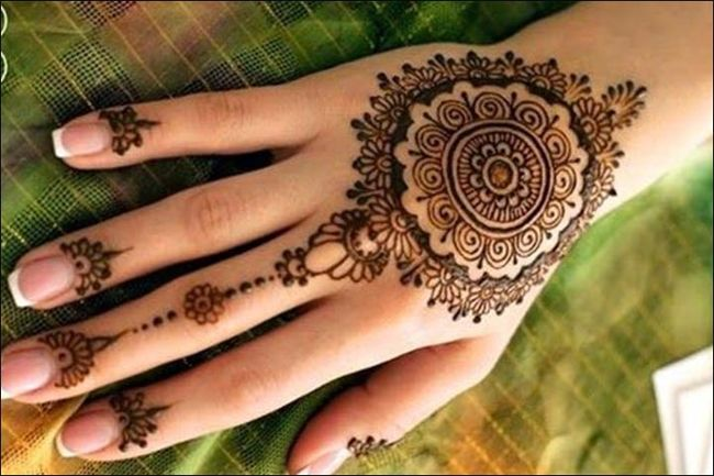 Traditional Mehndi Designs Photos : Simple traditional mehndi designs for ladies fashion