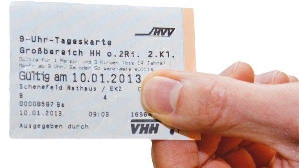 """""""Den Fahrschein, bitte!"""" Am Montag, 8. Juni, beginnt der große Prüf-Marathon."""
