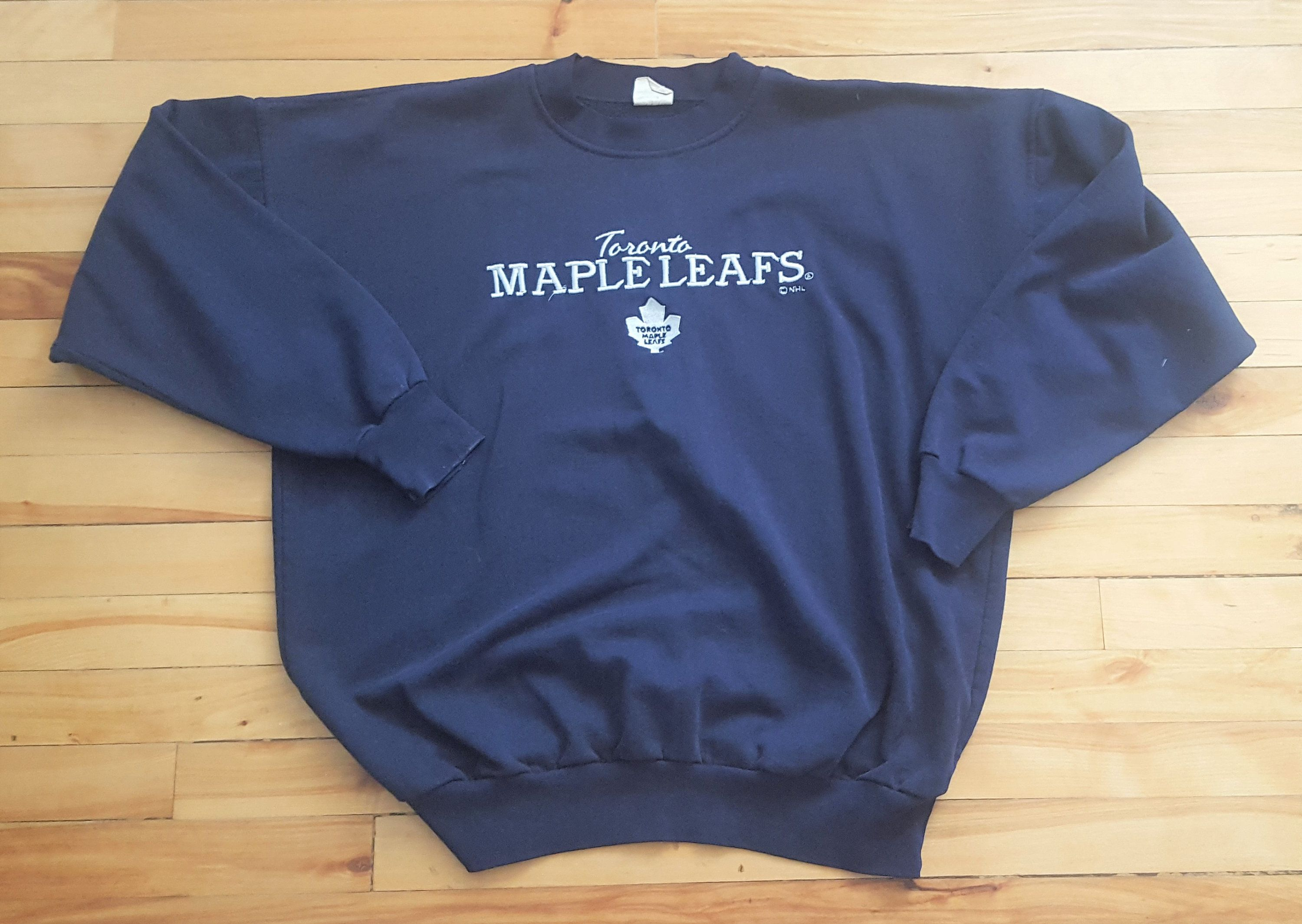sports shoes 5a44a bdf84 Vintage Toronto Maple Leafs Large Crewneck Sweater NHL VTG ...