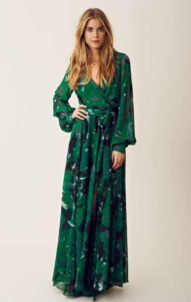Angel Sleeve Maxi Dress in Green | 70s fashion and 70s style