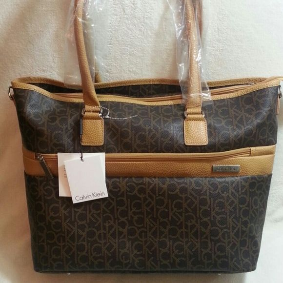 LAST PRICE♥NWT Calvin Klein Luggage Bag Tote It has so much room ...