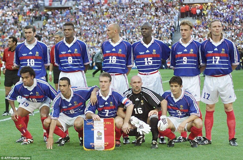 Zidane Posts Picture Of France S 1998 World Cup Winners Reunion World Football World Cup Teams World Cup