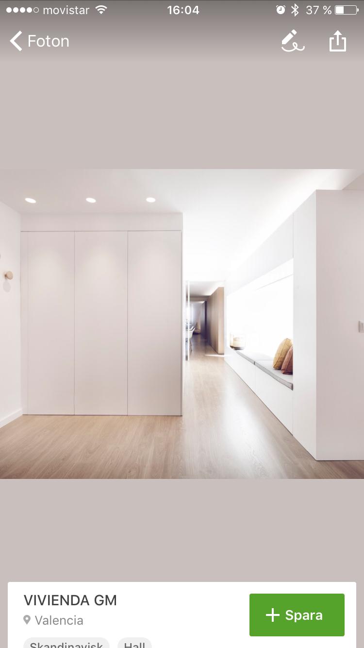 Idea entrada con armario y ventana con asiento y más almacenaje