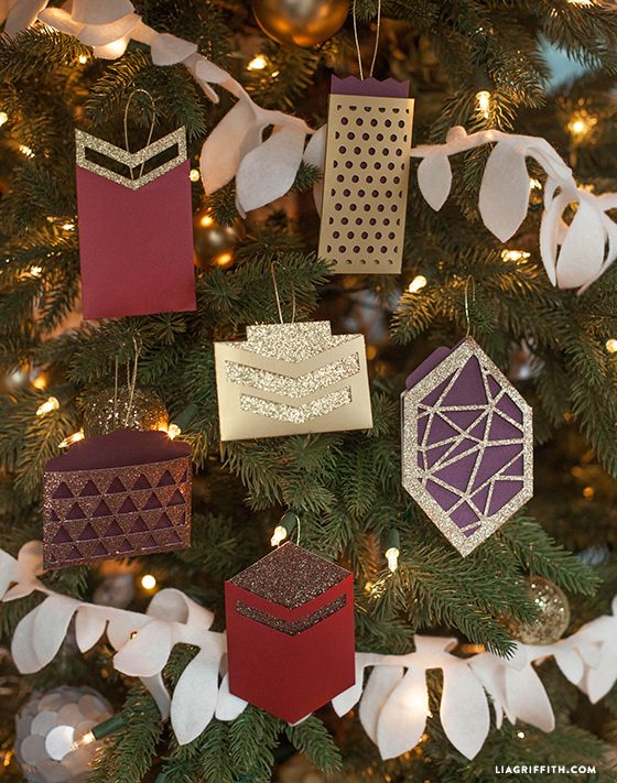 Make A Pretty Gift Card Holder Ornament It S A Wrap Gifts