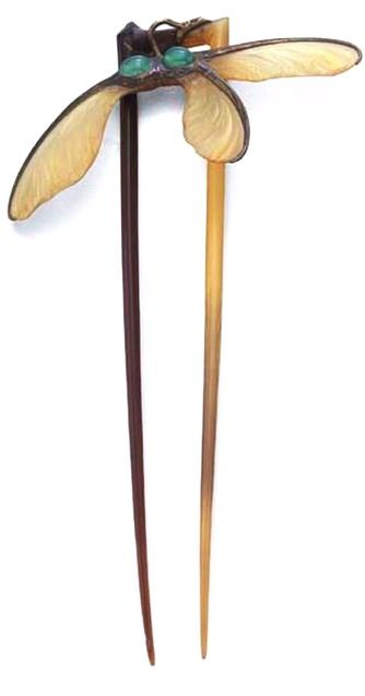 Horn and chalcedony hair comb by Bucheron, 1900