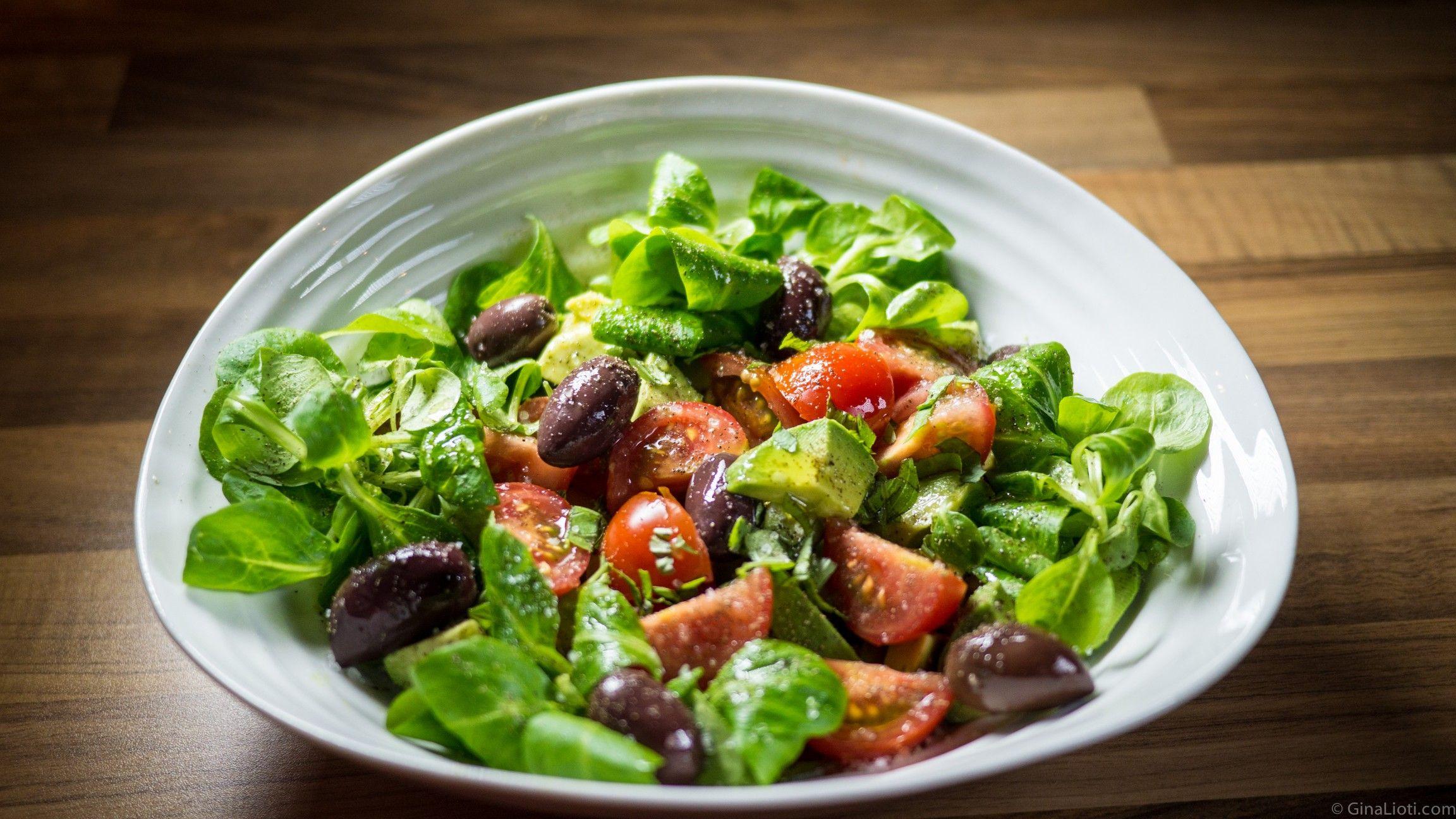Lamb's lettuce, tomato, avocado & olive salad