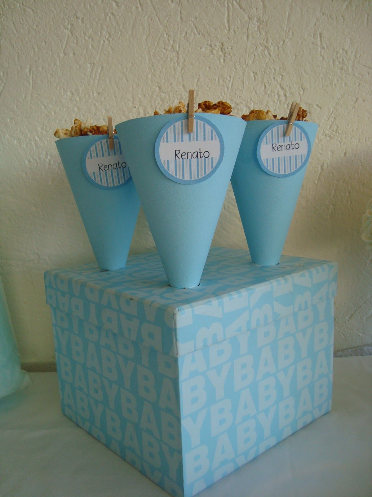 como hacer un recuerdo con dulces y galletas para baby shower para baby shower