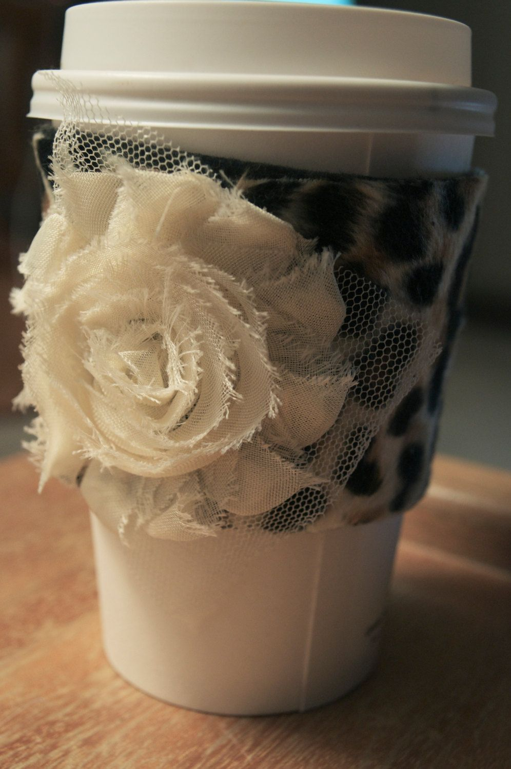 Cute Coffee Sleeve Set Red and White Roses are perfect