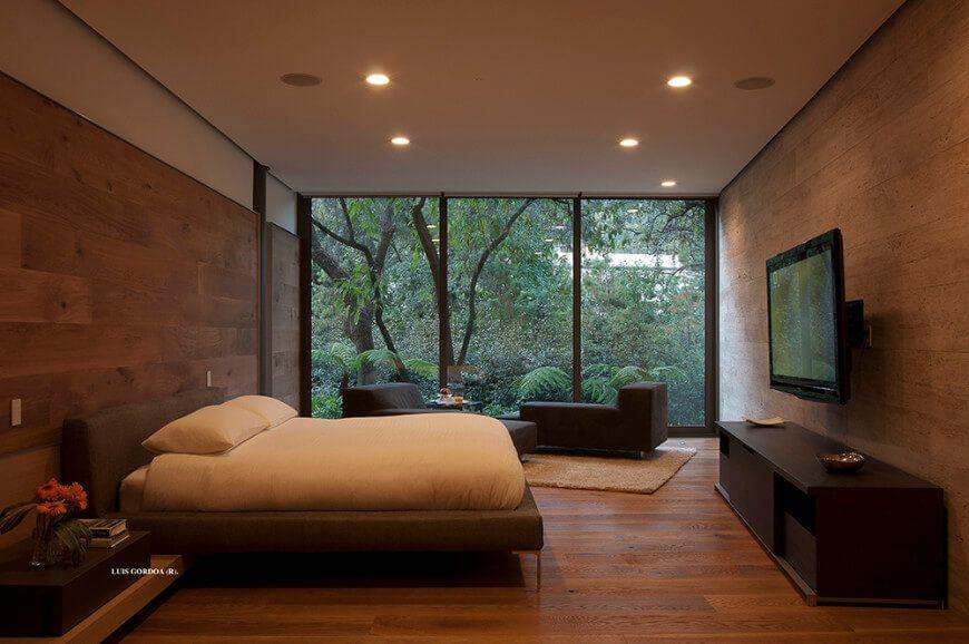 75 Master Bedrooms With Hardwood Flooring Photos With Images Bedroom Flooring Options Bedroom Flooring Master Bedroom Design