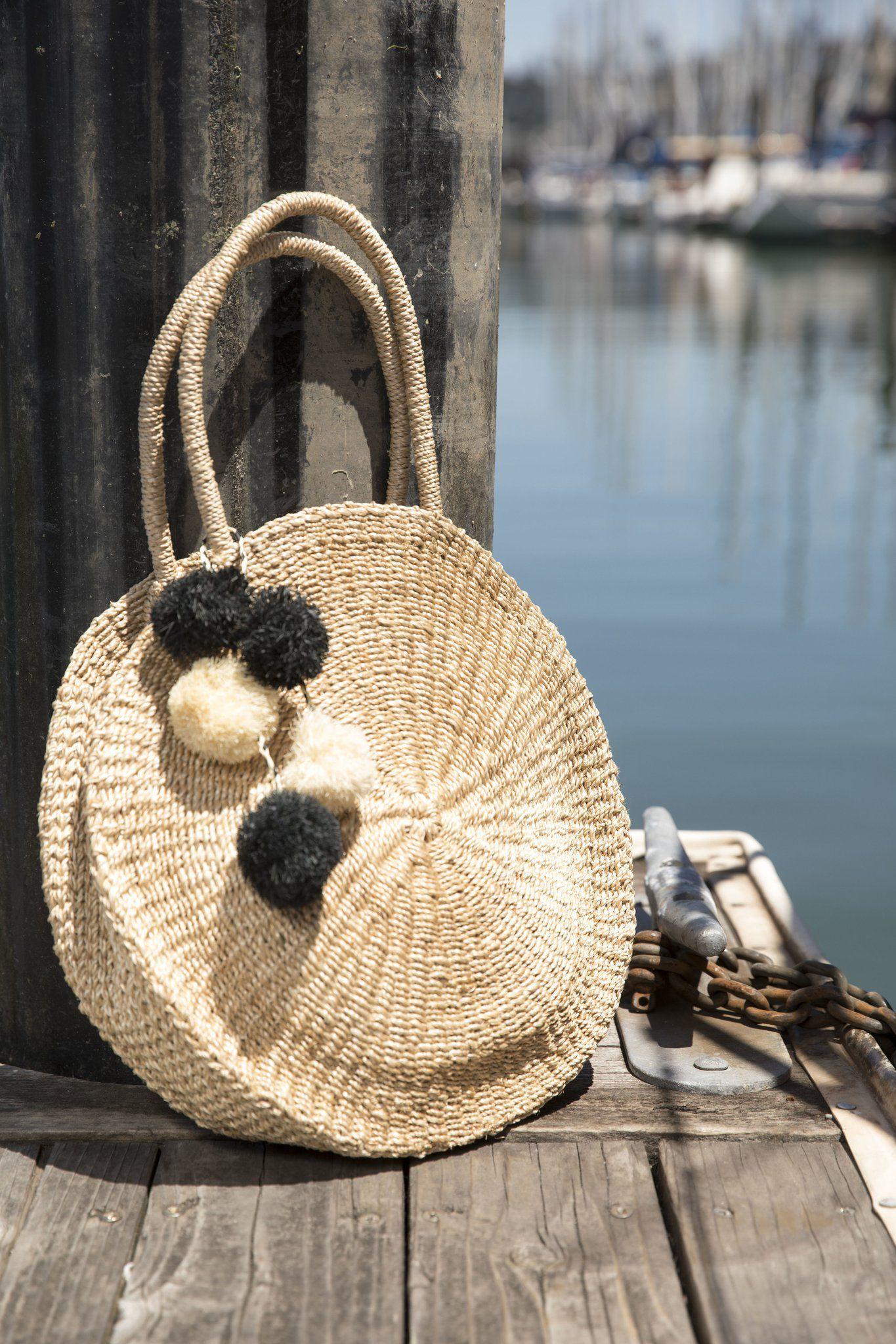 f4d5556a64 Le borse di paglia 2018 altro che borse mare... queste sono pura  couturemarieclaireita