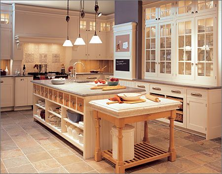 Pin By Laura Lozano On Kitchens Homey Kitchen Home Kitchens Bakers Kitchen