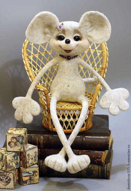 """Игрушки животные, ручной работы. Мышь """"ПОЗИТИВНАЯ НЯШКА"""". Натали и моя волшебная страна. Интернет-магазин Ярмарка Мастеров. Мышь"""