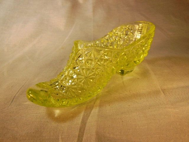 27b6413377e82 Vintage Fenton Vaseline Yellow Glass Shoe Slipper in the Daisy ...