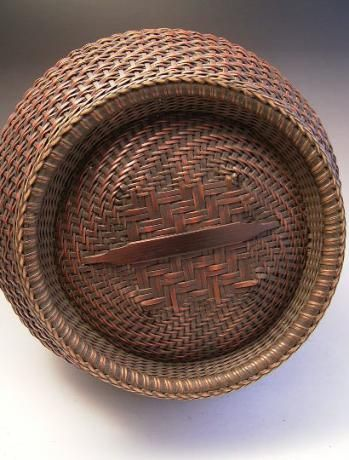 JAPANESE EARLY 20TH CENTURY BAMBOO FLOWER BASKET, UNSIGNED - Oriental Treasure Box