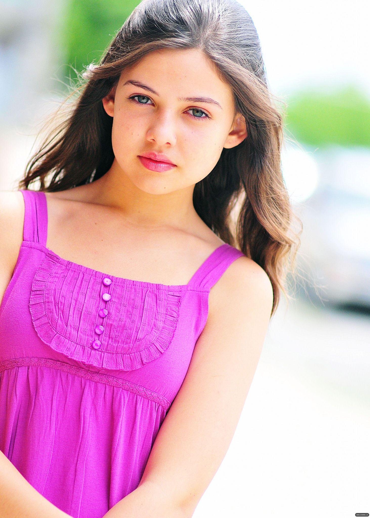 """Immagine di Buona definizione: Danielle Campbell- """" Bellezza di Primavera"""". Th-2"""