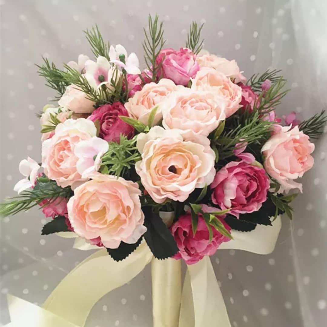 Pin By Modaluce Bridal On Bunga Tangan Hand Bouquet Wedding Wedding Bouquets Dream Wedding Dresses