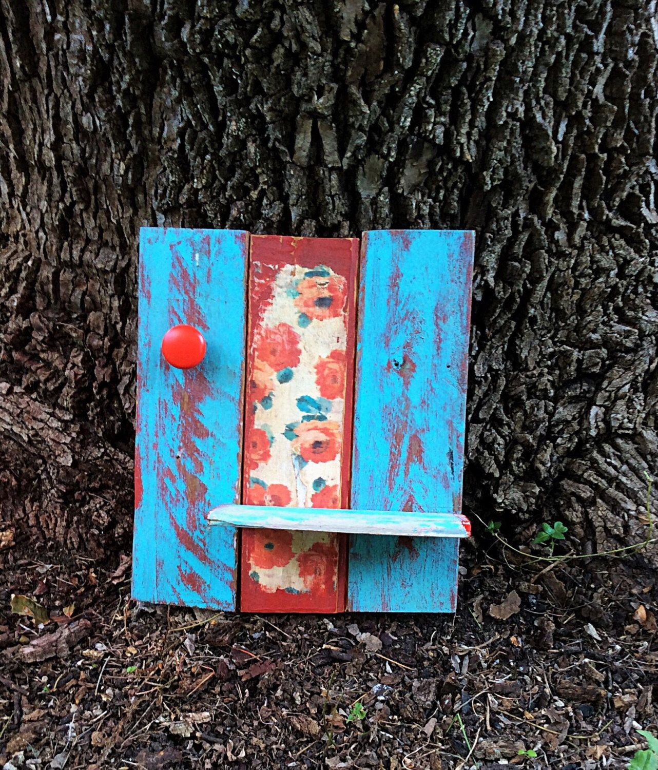 Reclaimed pallet wood wall decor with shelf u red knob by