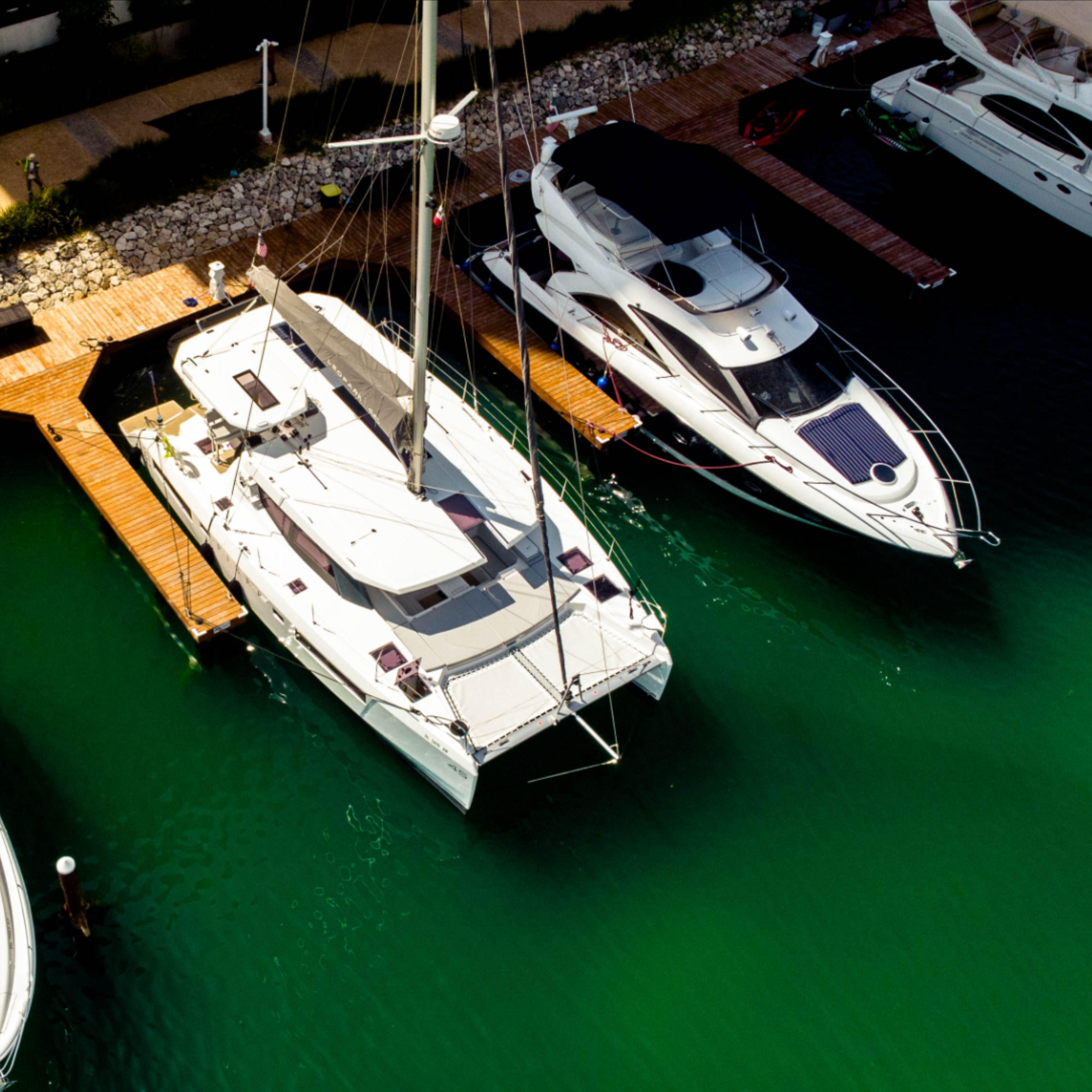 Disfuta de los mejores servicios que la Marina Muelle 7 Cancún tiene para ti.