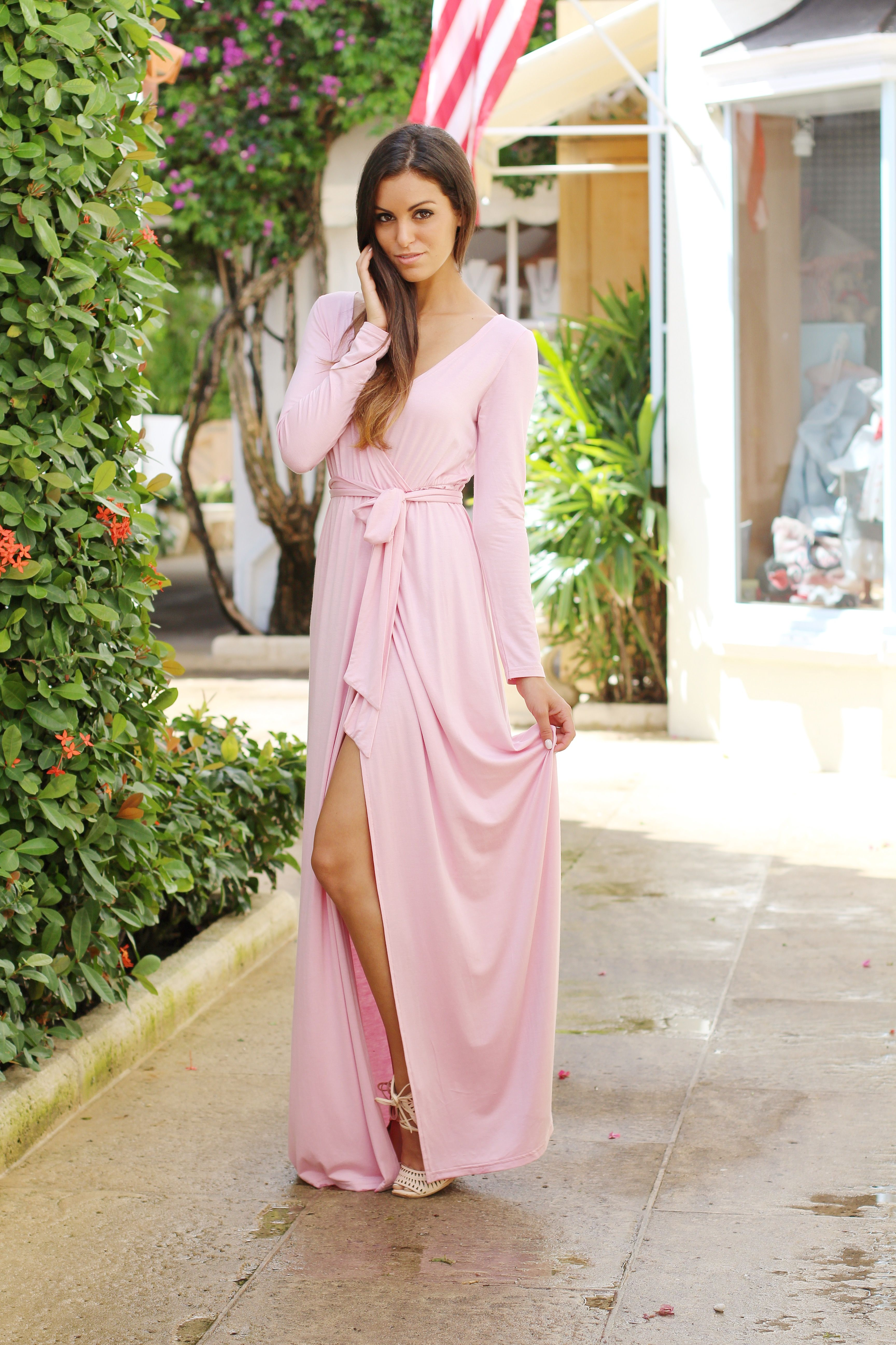 fdcd50b9bd4e Pink maxi dress with long sleeves and leg slit | Farrah | escloset.com