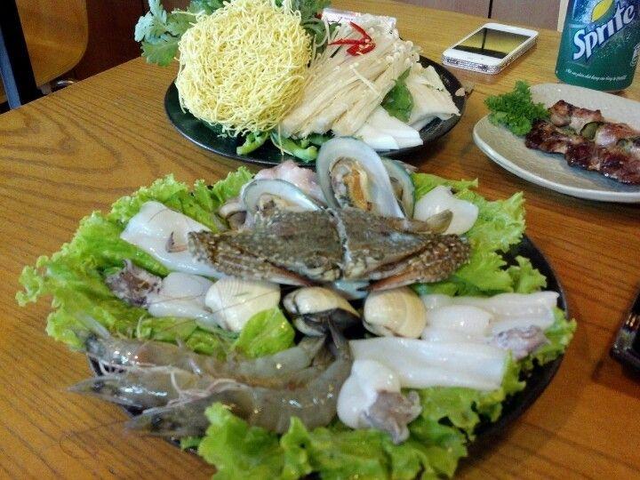 Seafood hotpot @ Khan Korean Casual Dining 329 Nguyen Tri Phuong, P. 5, Q. 10.