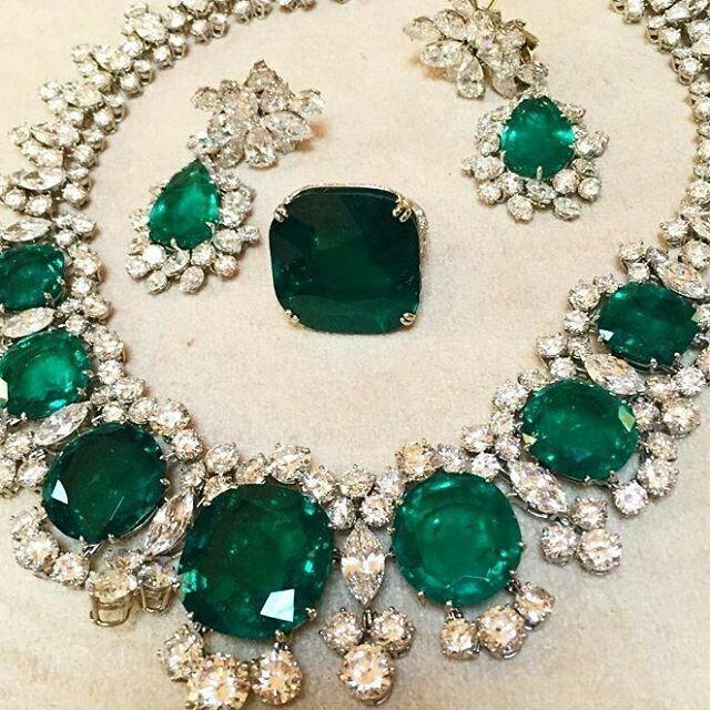 @thejewelleryed. Spectacular emeralds  and diamonds set. Unconventional  size stones. Incredible emeralds. Astonishing.