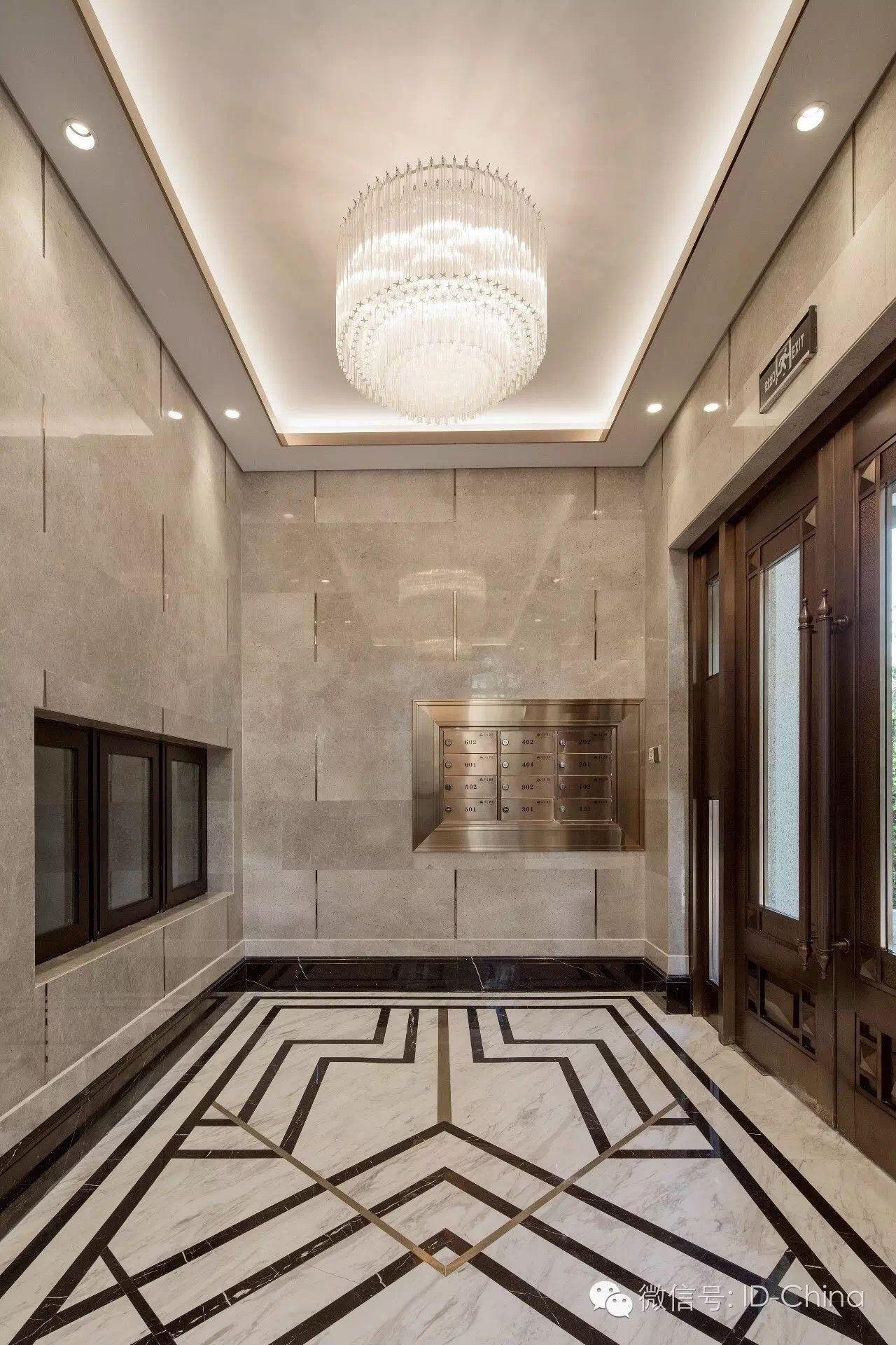 Exquisite retro lift lobby Exquisite retro lift