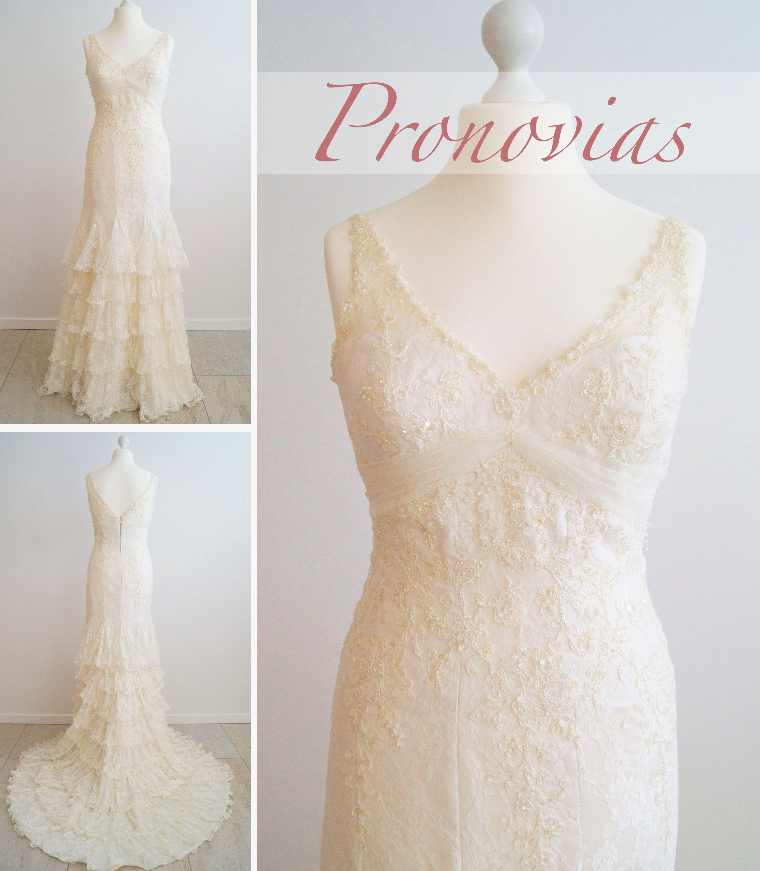 bb551e266ae7 Smuk råhvid brudekjole fra Pronovias. Kjolen har 5 flæselag i nederdelen og  masser af perler