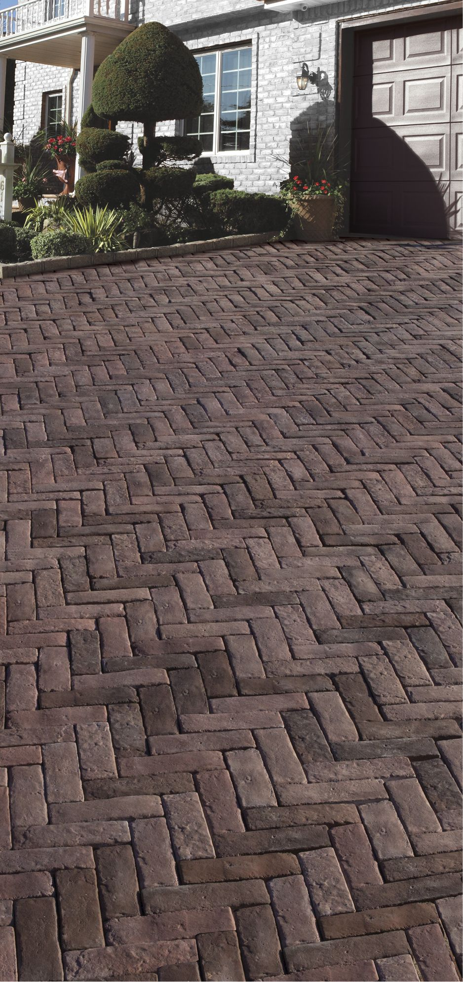 Cambridge pavingstones wall systems color options - Create Your Own Grand Driveway With The Help Of Beautiful Cambridge Pavingstones With Armortec