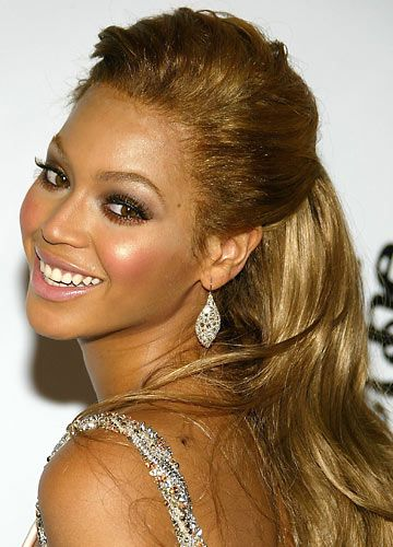 Petit Site Of Star Half Up Half Down Hairstyles Down Hairstyles Beyonce Beauty