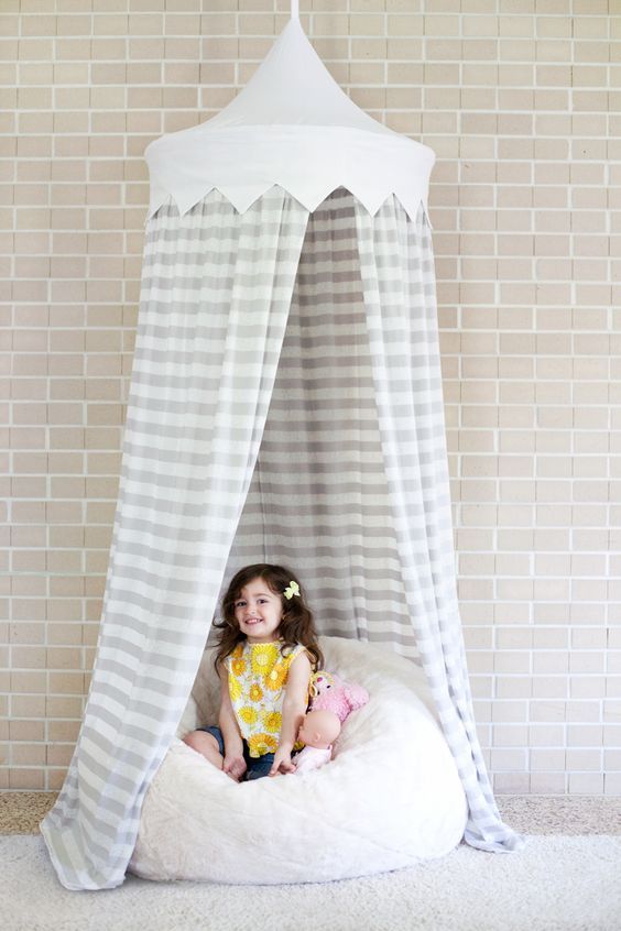 Create a small reading nook or some  me  space for your little one with this Hula Hoop Tent tutorial by A Beautiful Mess.  sc 1 st  Pinterest & A Beautiful Mess | Kinder Himmel | Pinterest | Hula hoop tent ...