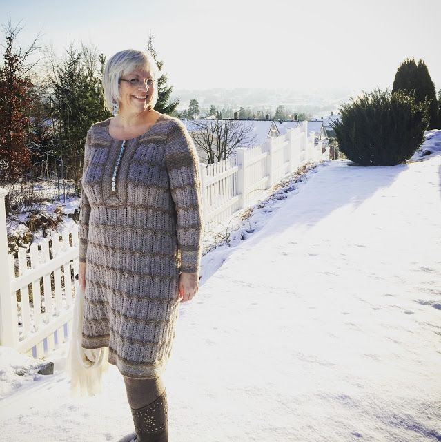 kristins røde tråd: Vinterkjole i blondestrikk Winter dress in alpacca wool and leftover yarn ombre.