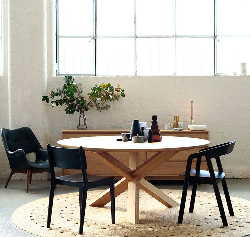 ethnicraft oak circle dining table 136 | tables, wooden dining