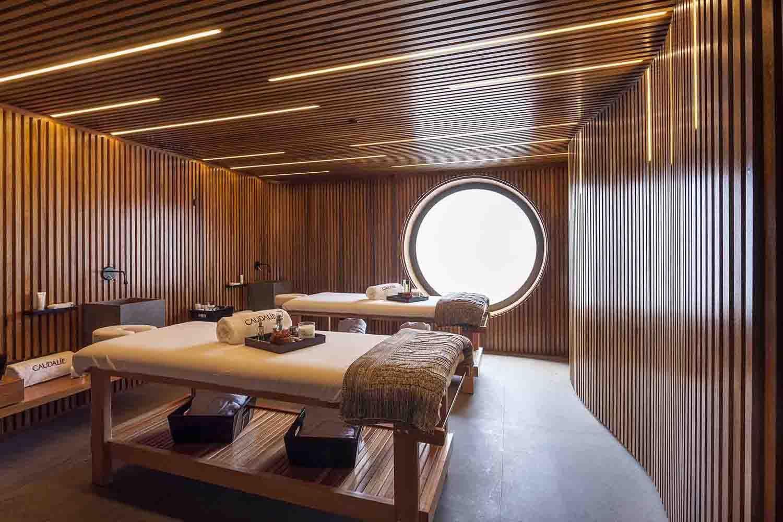Sala de massagem casal spa pesquisa google decora o for Hotel spa decor