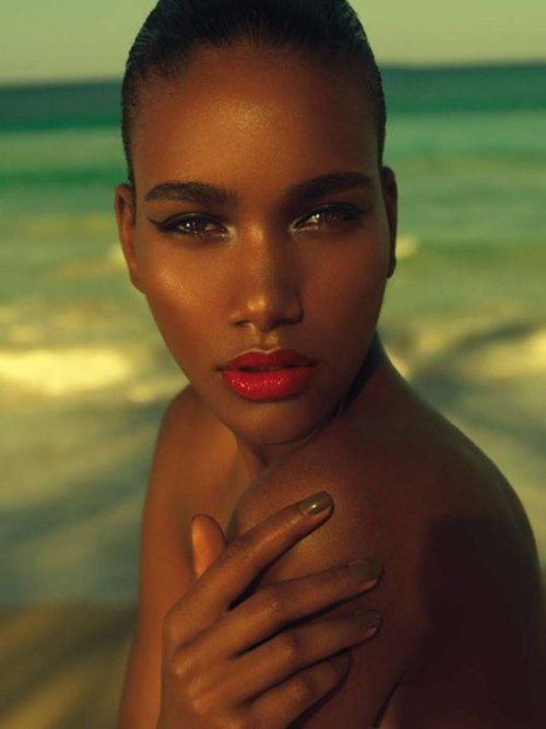 Dominican Top Model Arlenis Sosa.... the perfect beauty makeup.