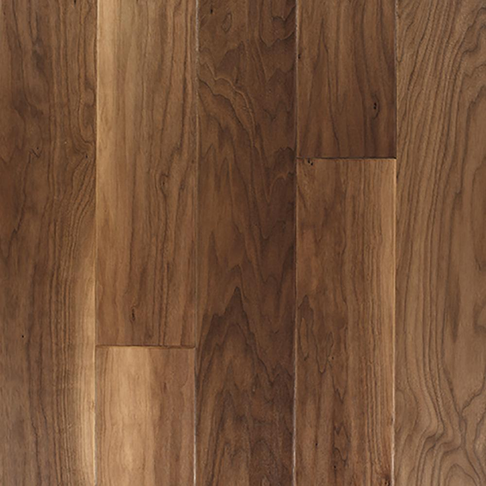 Mohawk Big Sky Natural Walnut 9 16 In Thick X 7 In Wide X Varying Length Engineered Hardwood Flooring 22 5 Sq Ft Case Bsy02 10 In 2020 With Images Engineered Hardwood Flooring Walnut Hardwood Flooring Hardwood Floors