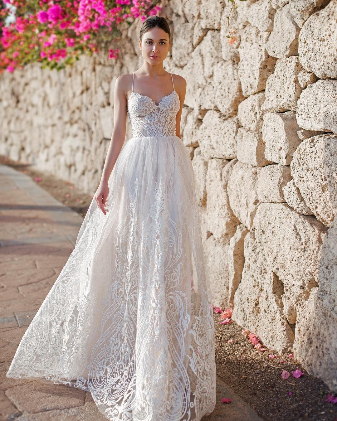Hugedomains Com Summer Wedding Dress Wedding Dresses Designer Wedding Dresses [ 1350 x 1080 Pixel ]