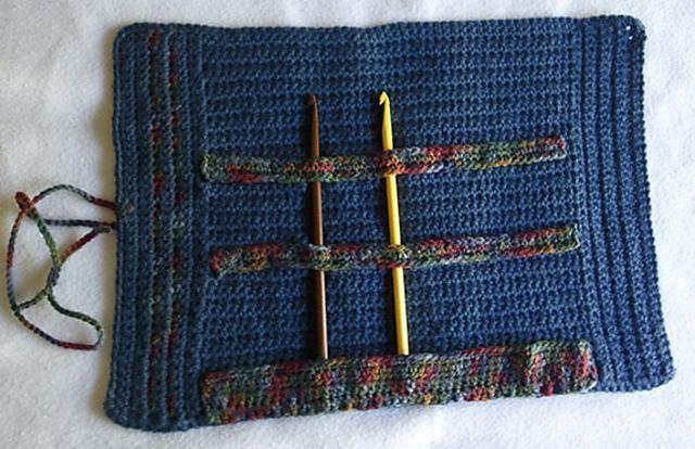 6 free crochet patterns to take on vacation: crochet hook holder ...
