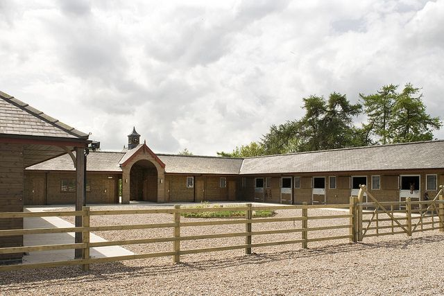 Bespoke stable yard by Scotts of Thrapston, via Flickr- this is how ours is designed except we have a grass courtyard. I always wondered if it had been gravel.