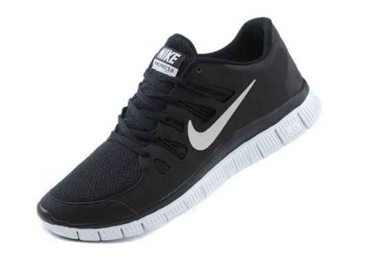 Black Nike Runners  4ff48f3989b4