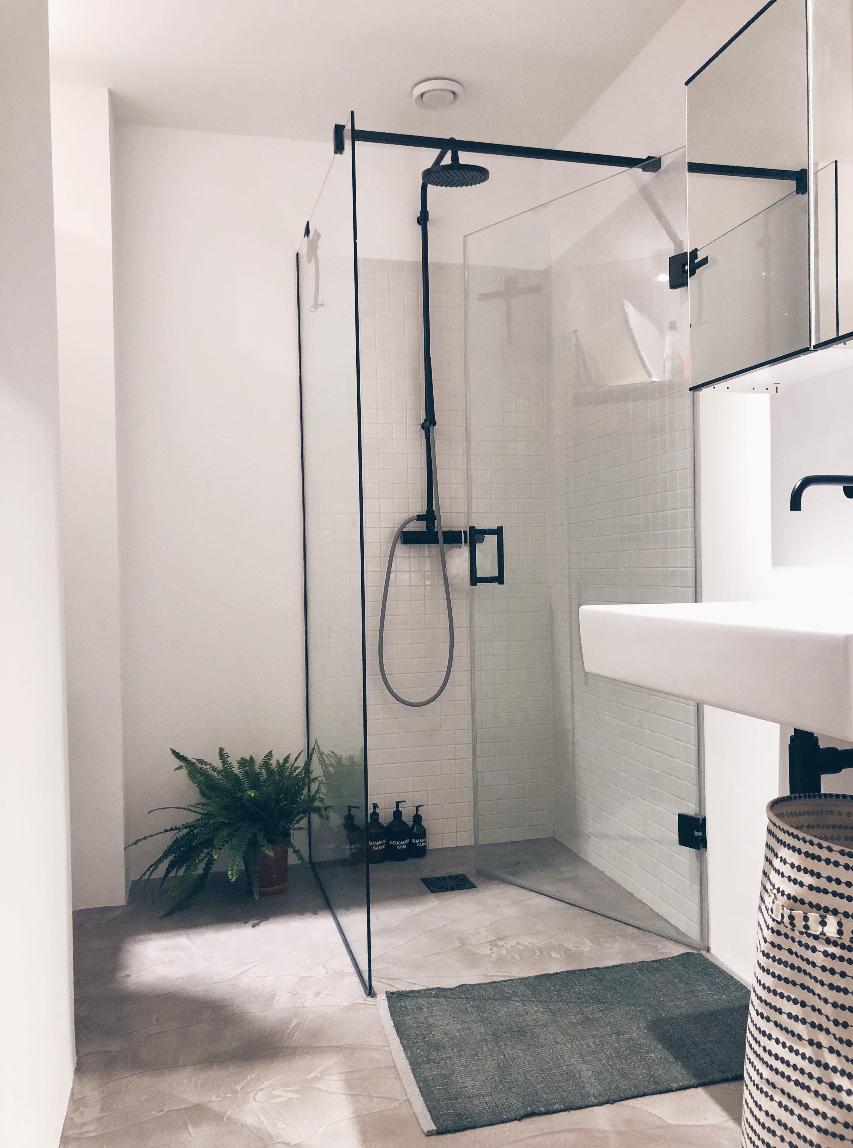 Badkamer - Binnenkijken bij amsterdamshuisje | Instagram, Interiors ...