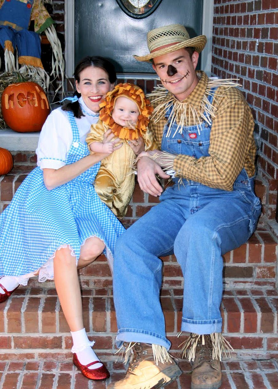 Family Costumes with Baby | Halloween | Pinterest | Costumes ...