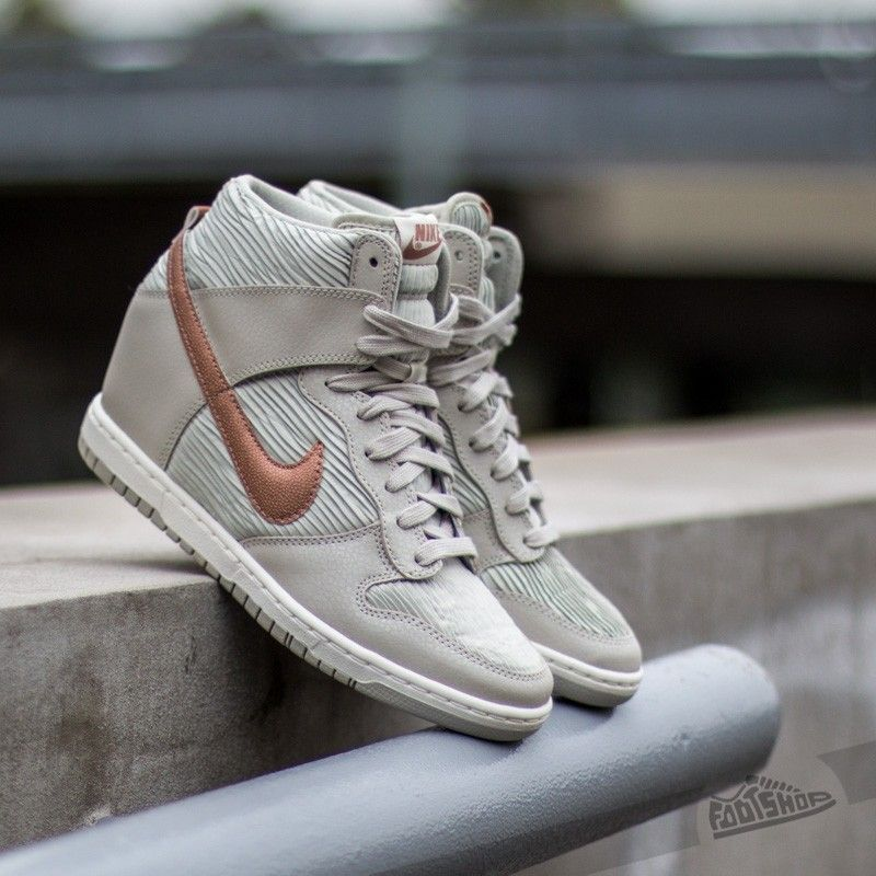 Nike Wmns Dunk Sky Hi Light Bone/ Metalic Red Bronze- Light Bone