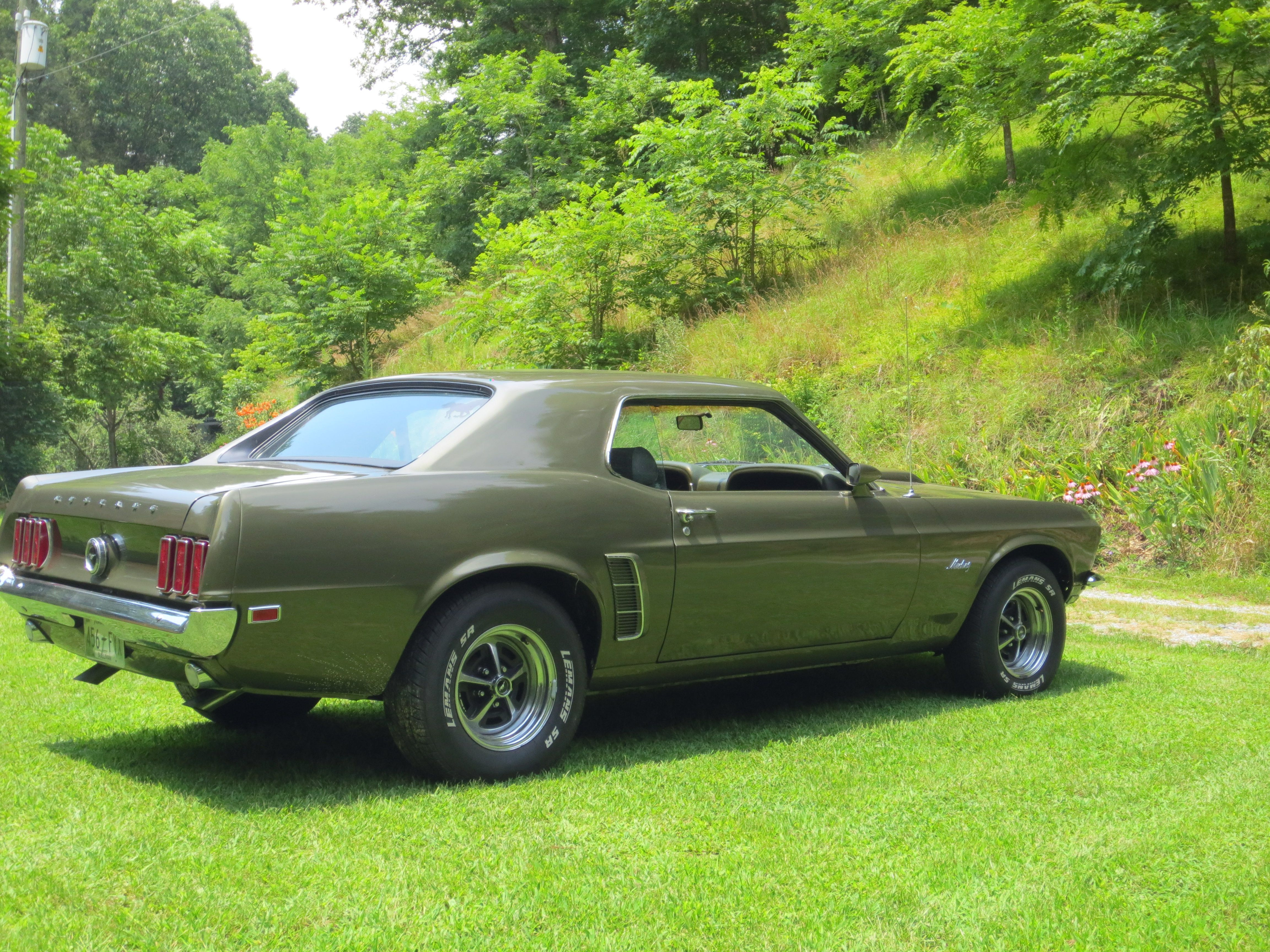 1969 Mustang This Is The Exact Same Color As The One My Grandfather Left Me Only Mine Was A Grande And Had A Vinyl To Mustang Mustang Fastback Ford Mustang