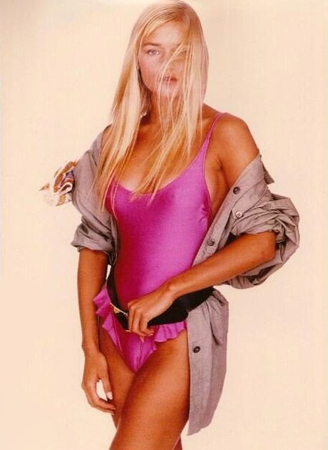 Flashback Photo! Yolanda Foster Models a Swimsuit in 1990 ...