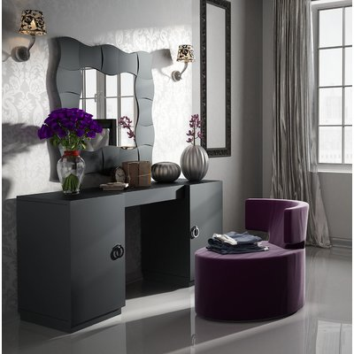 Everly Quinn Kirkwood Bedroom Makeup Vanity Set with Mirror Color