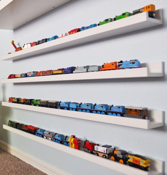 jouets rang s sur etagere ribba deco enfant pinterest etagere rangement rangement mural. Black Bedroom Furniture Sets. Home Design Ideas