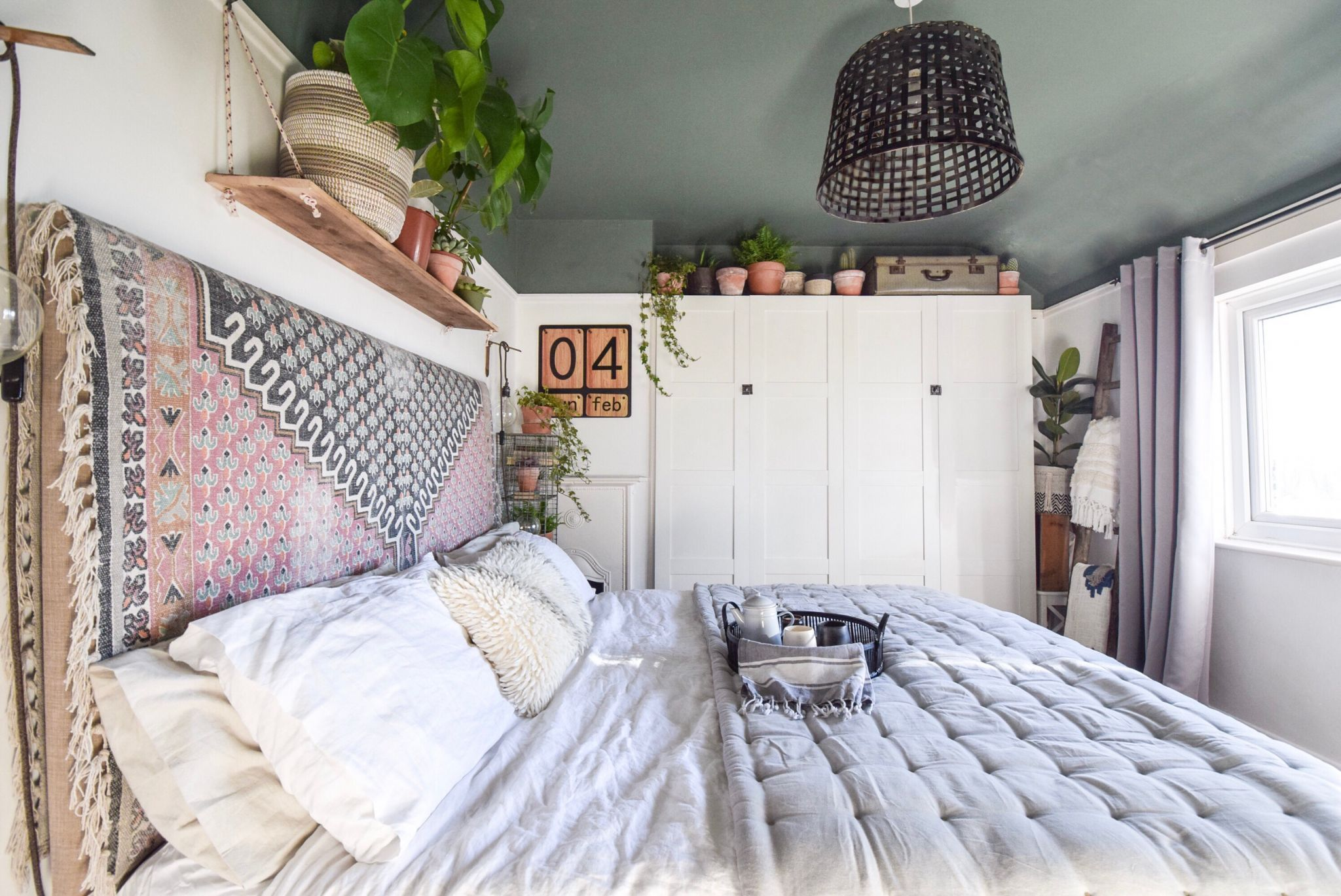 Bedroom Makeover Boho Vintage French Connection Rug Poppy Field